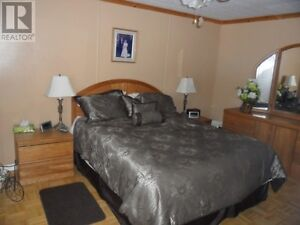 Mobile Home on Leased Land Corner Lot Perfect for Retirement 55+ Cornwall Ontario image 3