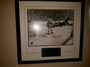 AUTOGRAPHED BOBBY ORR PICTURE 350 OR BEST OFFER