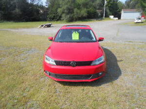 2014 VW JETTA, SUPER LOW KMS!!!   CHECK THIS PRICE OUT