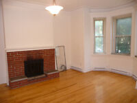 Wonderfully renovated 61/2 in the heart of Westmount - October