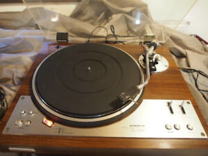 TABLE TOURNANTE PIONEER PL-530 AUTOMATIC