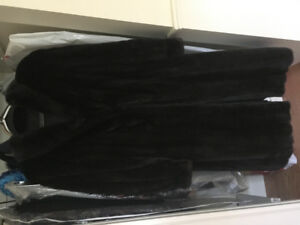 FEMALE MINK FULL LENGTH COAT in excellent condition for sale