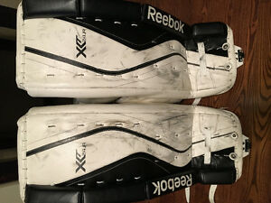 Junior goalie pads