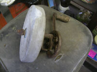 OLD GRINDING STONE WHEEL WITH CRANK HANDLE $10 HAS CHIP