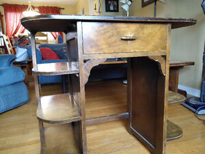 Beautiful old style one-drawer desk