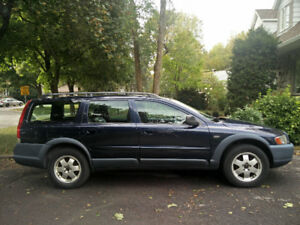 Volvo XC70 AWD Turbo V70 Cross Country Wagon, tres propre