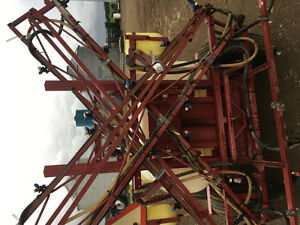 REDUCED HARDI 42 FOOT BOOM AND CONTROLS REDUCED London Ontario image 7