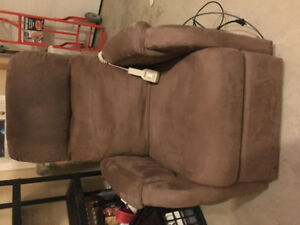 Recliner /lift chair with remote.Excellent condition