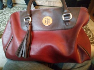 Tommy Hilfiger purse with cute heels