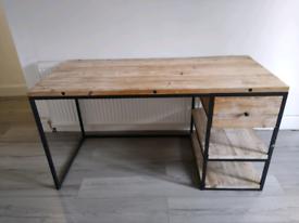 Loaf desk