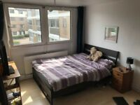 DOUBLE ROOM FOR ONE PERSON IN EAST PUTNEY