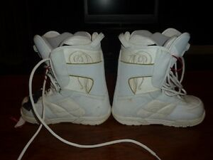 Women's Size 8.5 Nitro Snowboard Boots Cambridge Kitchener Area image 2