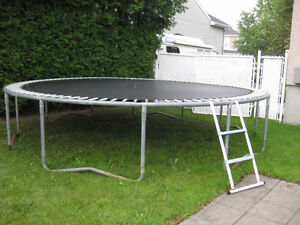 Trampoline - easily disassembled