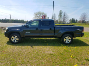 2009 Toyota Tacoma V6 4x4 Automatic LEATHER