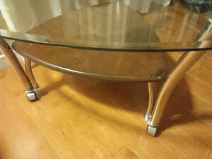 Excellent Modern coffee table on rollers with shelf, glass top Kitchener / Waterloo Kitchener Area image 4
