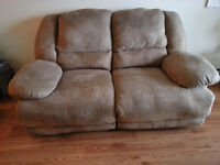 CAUSEUSE/SOFA, style LAZY BOY Super confortable