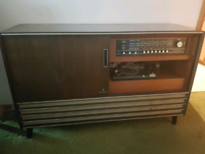 Gundig tube stereo cabinet with turntable