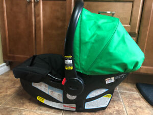 Graco Click Connect Snugride 30LX Car Seat and Base