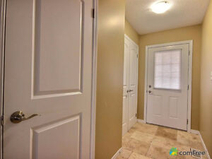 Executive townhouse (end unit) in immaculate condition! Kitchener / Waterloo Kitchener Area image 7