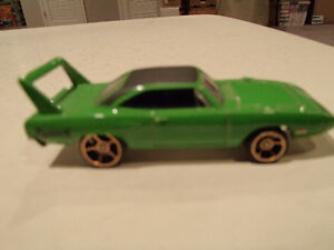 Loose 3 Hot Wheels 1970 Plymouth Superbird 1:64 diecast car. Sarnia Sarnia Area image 7