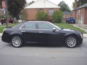 2012 Chrysler 300S Limited Sedan - 6 Cylinder, 167,500 km