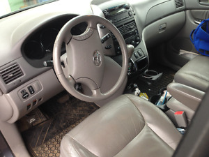 2007 Toyota Sienna LE   CUIR Fourgonnette, fourgon