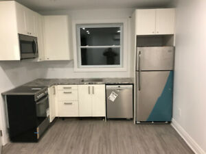 Beautifully Renovated 2 Bedroom Unit in the Annex