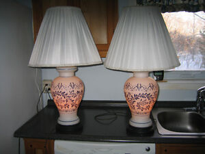 Porcelaine antique 3 way lamps Cornwall Ontario image 1