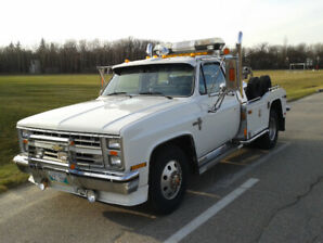 CUSTOM ONE TON TOW TRUCK
