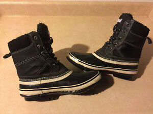 Women's Nival Winter Boots Size 7.5 London Ontario image 6