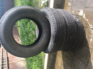 Used set of 4 Hancook DynaPro AT 235/75R17 Tires