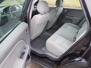 2006 Ford Five Hundred NO ACCIDENTS / SAFETY / E-TEST / WARRANTY London Ontario image 9