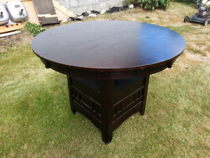 Brown dining table with leaf - Reduced
