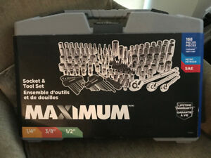 NEW SEALED MECHANICS SOCKET SET AND EXTRAS