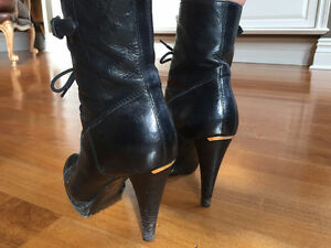 Burberry Laced-up Leather Ankle Boots West Island Greater Montréal image 3