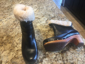 Ladies UGG Wedge Black Bootie - Size 8