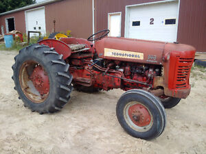International 300 tractor