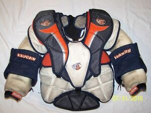 VAUGHN VELOCITY 3 7500 L GOALIE CHEST PROTECTOR (WHL GOALIE)