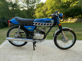 Yamaha RD60 Blue Matching Numbers Import Excellent Condition Ultra Low Miles