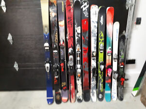 Skis poudreuse et twin tip