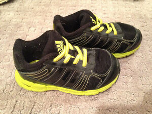 """8 pairs of shoes """"Brand Name"""" boys size 8 & 9 shoes Strathcona County Edmonton Area image 4"""