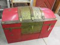 Vintage/Antique Dome Top Pirate Treasure Chest Storage Trunk