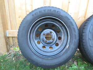 2  FORD FOCUS, FIESTA  RIMS AND SNOW TIRES  P195/65/R15 Kitchener / Waterloo Kitchener Area image 4