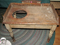 Table lave-mains antique