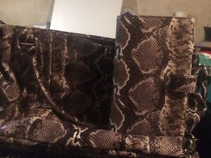 beautiful purse with matching wallet