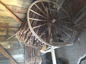 Chariot antique brouette