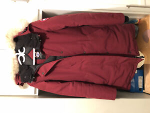 Authentic Victoria Canada goose limited edition Bordeaux colour