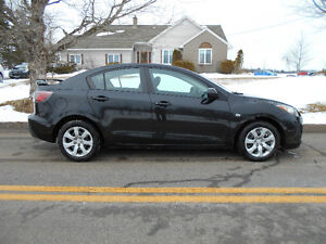 2010 Mazda 3 **Works Excellent, Great gas Mileage**