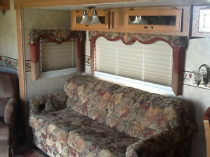 28 Ft. Jayco 5th Wheel.  Very Good Condition
