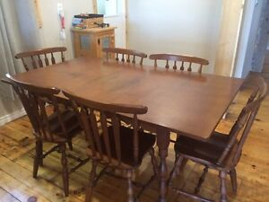Solid wood dining set with hutch  Belleville Belleville Area image 3